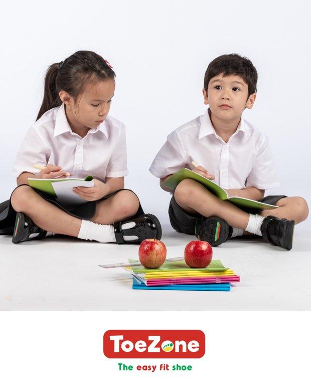 Toezone Footwear