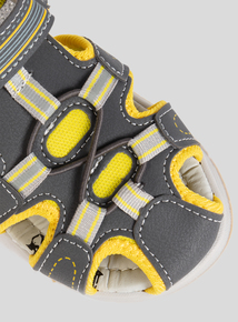 Online Exclusive Biaoqing Grey Sandal