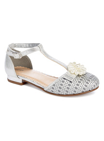 Silver T-Bar Pearl Shoe