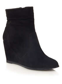 Black Ruched Wedge Boots