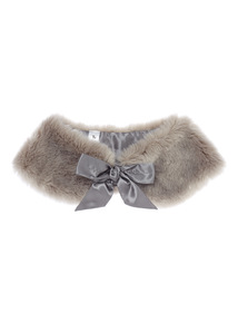 Girls Silver Faux Fur Cape