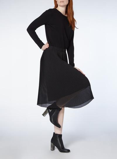 Black Plain Pleated Skirt
