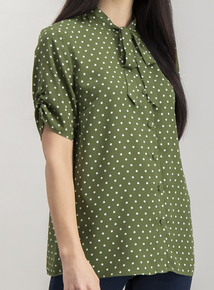 Green Spotted Short-Sleeved Blouse