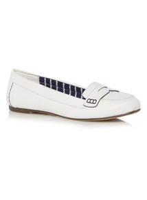 Square Toe Tumbled Loafers