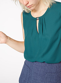 Green Opitcal Layering Shell Blouse