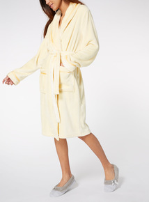 Lustre Fleece Robe