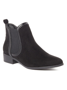 Black Pointed Toe Boots