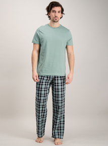 Green Plain Top & Checked Bottom Pyjamas