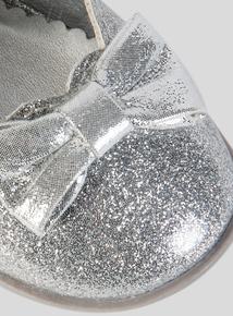 Silver Glitter Party Pump