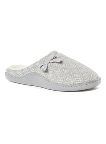 Grey Diamond Pattern Slippers