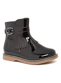 Fringed Boot With Buckle Detail