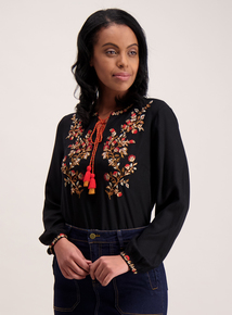Online Exclusive Black Floral Detail Top
