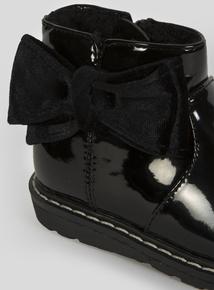 Black Patent Bow Boots (4 Infant-12 Infant)