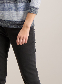 Black Tapered Stretch Fit Jeans
