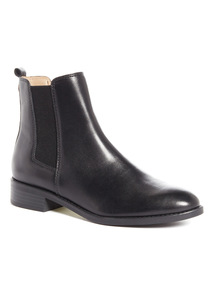 Sole Comfort Leather Chelsea Boots