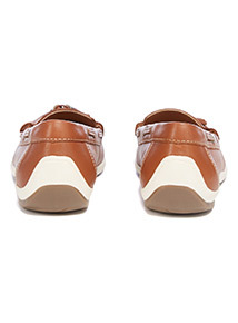 Sole Comfort Tan Leather Boat Shoes