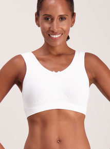 White Lace Trim Seamless Crop Tops 2 Pack