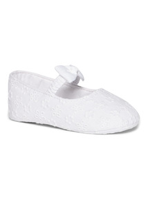 White Broderie Bow Occasion Shoe (0-24 months)