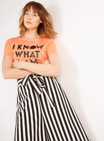 GFW 'I Know What I Am' Slogan T-Shirt