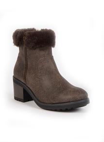 Sole Comfort Brown Faux Fur Trim Boots