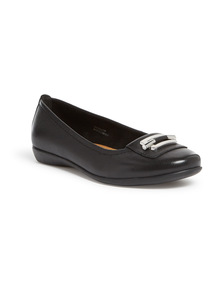Sole Comfort Black Leather Ballerina Pumps