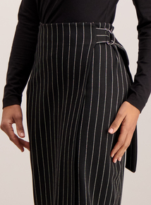 Black Belted Ring Wrap Pencil Skirt