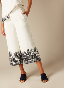 Online Exclusive Premium Leaf Print Border Co-ord Culottes