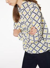 Printed Bubble Hem Shirt