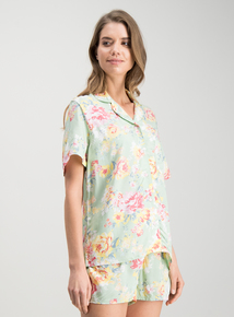 a4f05913dd069 Pale Green Floral Short Traditional Pyjamas